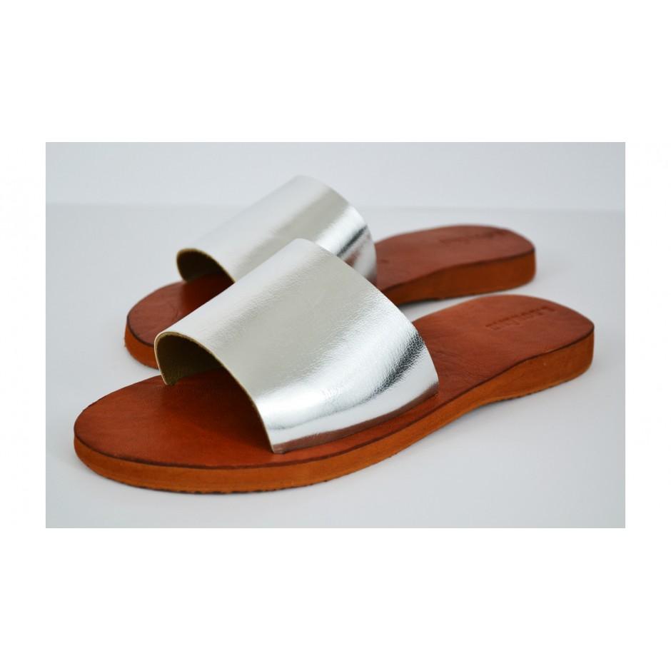 Sandale / mule en cuir argenté