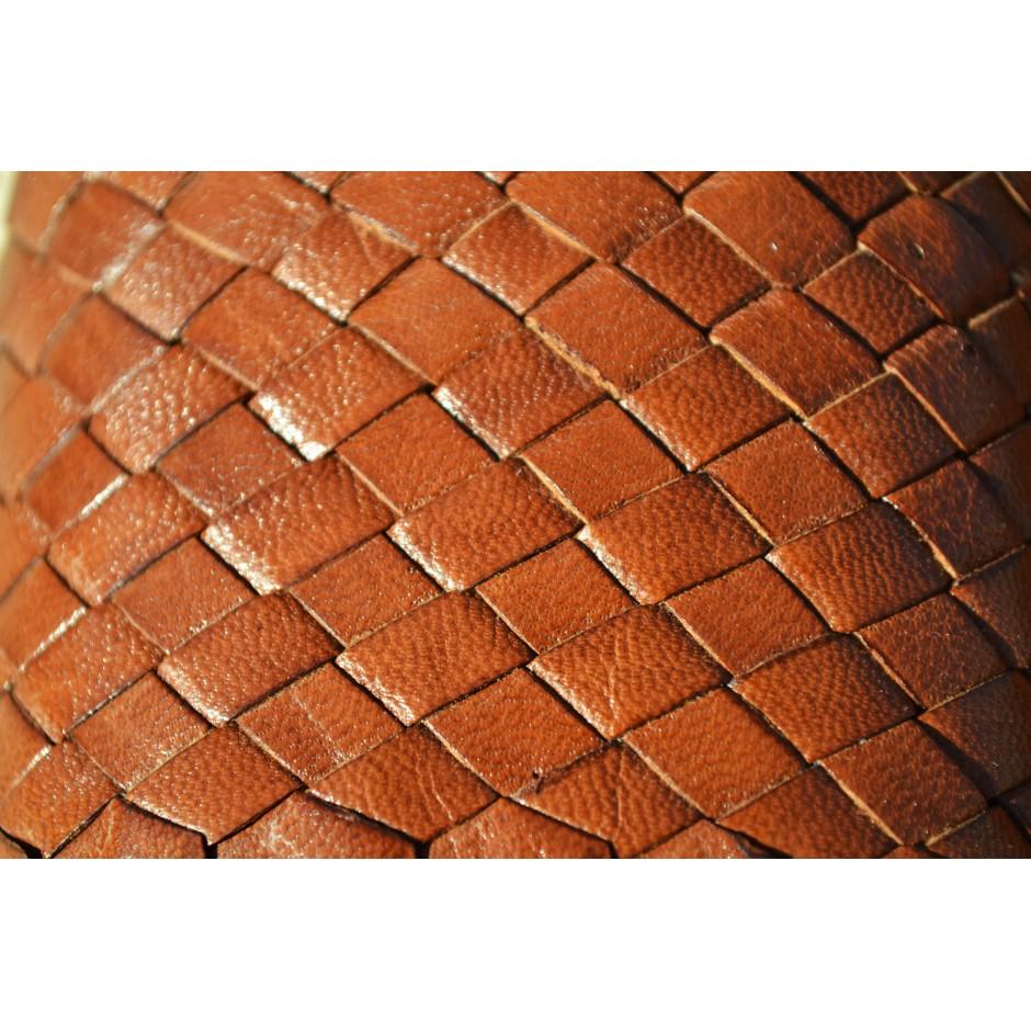 Sandale en cuir tressé marron