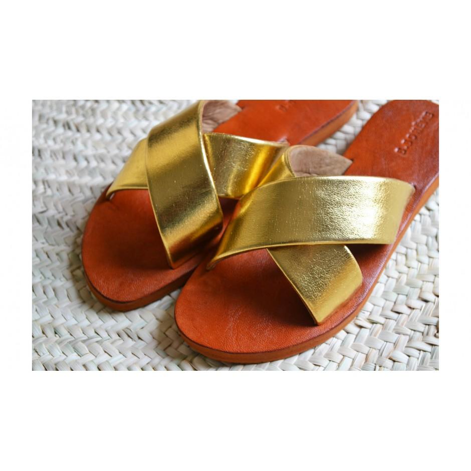 Sandale / mule en cuir doré