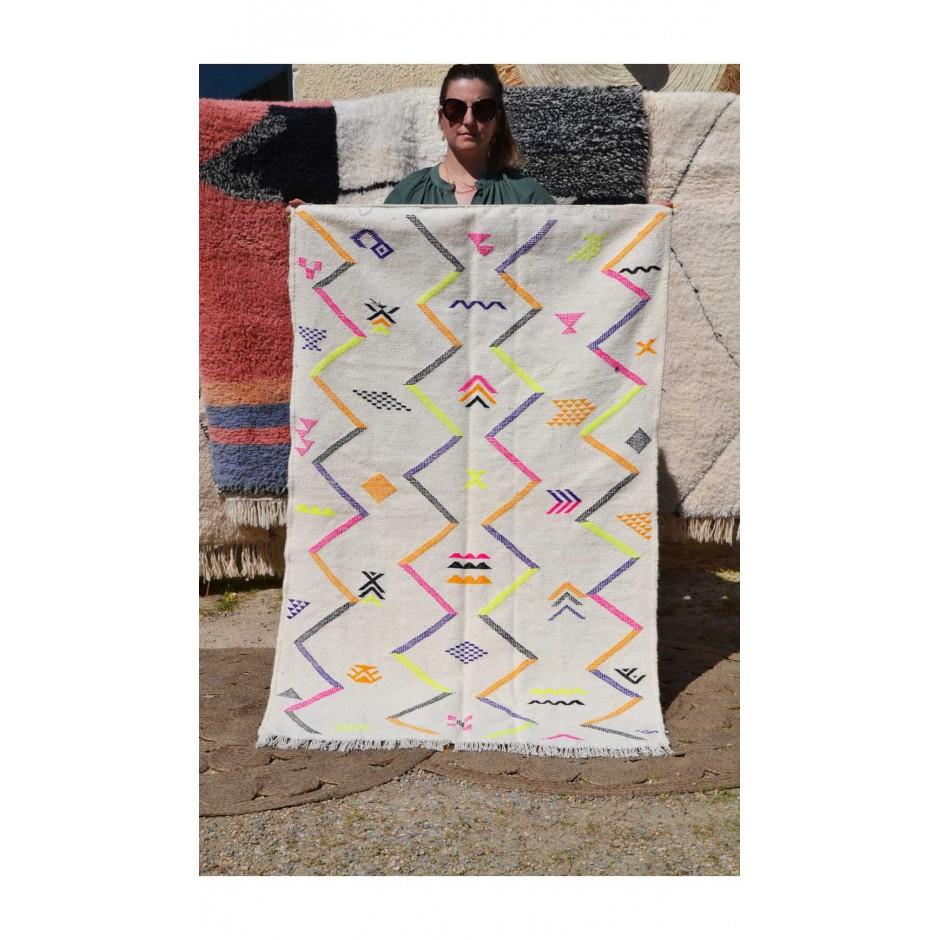 Tapis kilim écru et motifs fluo N°146